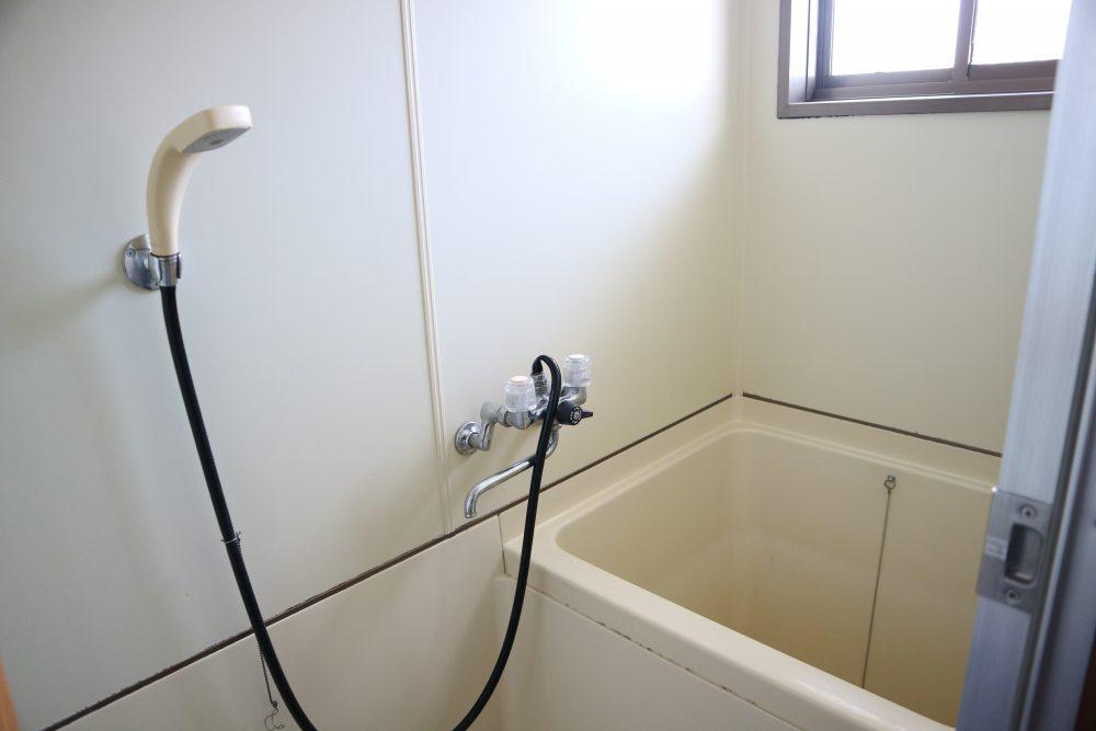明るい浴室