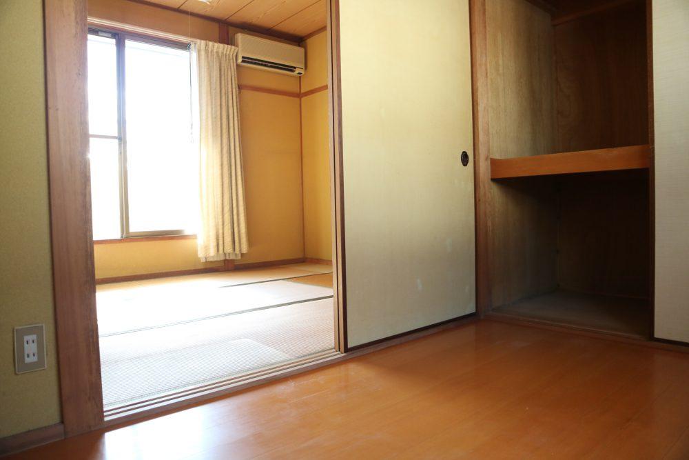 2階和室、収納しっかりできます(^^)/