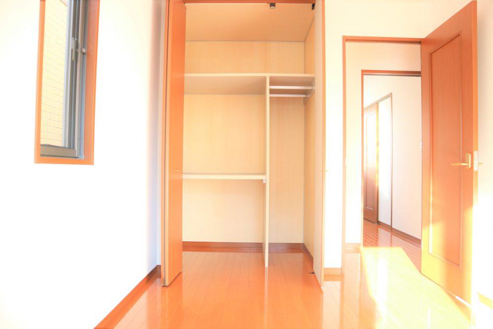 2階洋室、クローゼット②