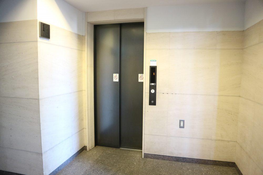 共有エレベーター