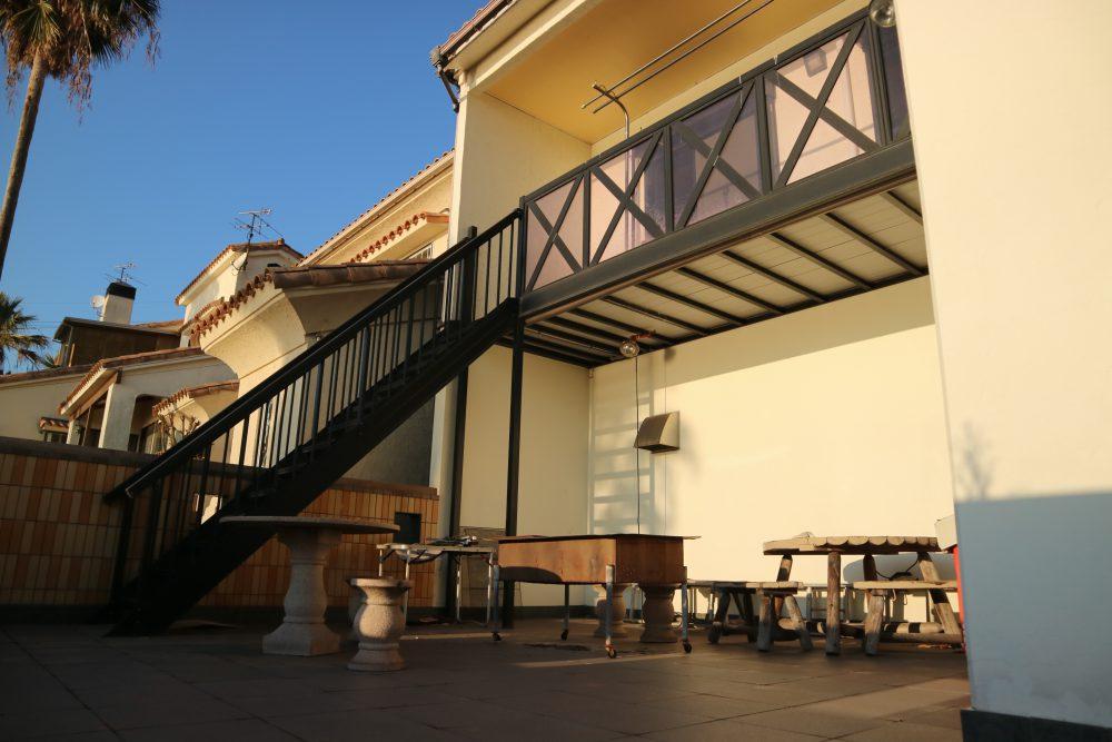 2階バルコニーでは、バーベキューなどもできます!