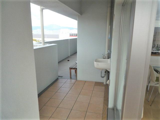 バルコニーには手洗い場もあり、とても便利ですね♪