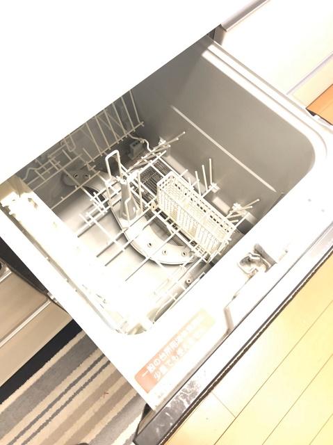 食器洗浄機付き。毎日の家事負担を軽減して頂けます。