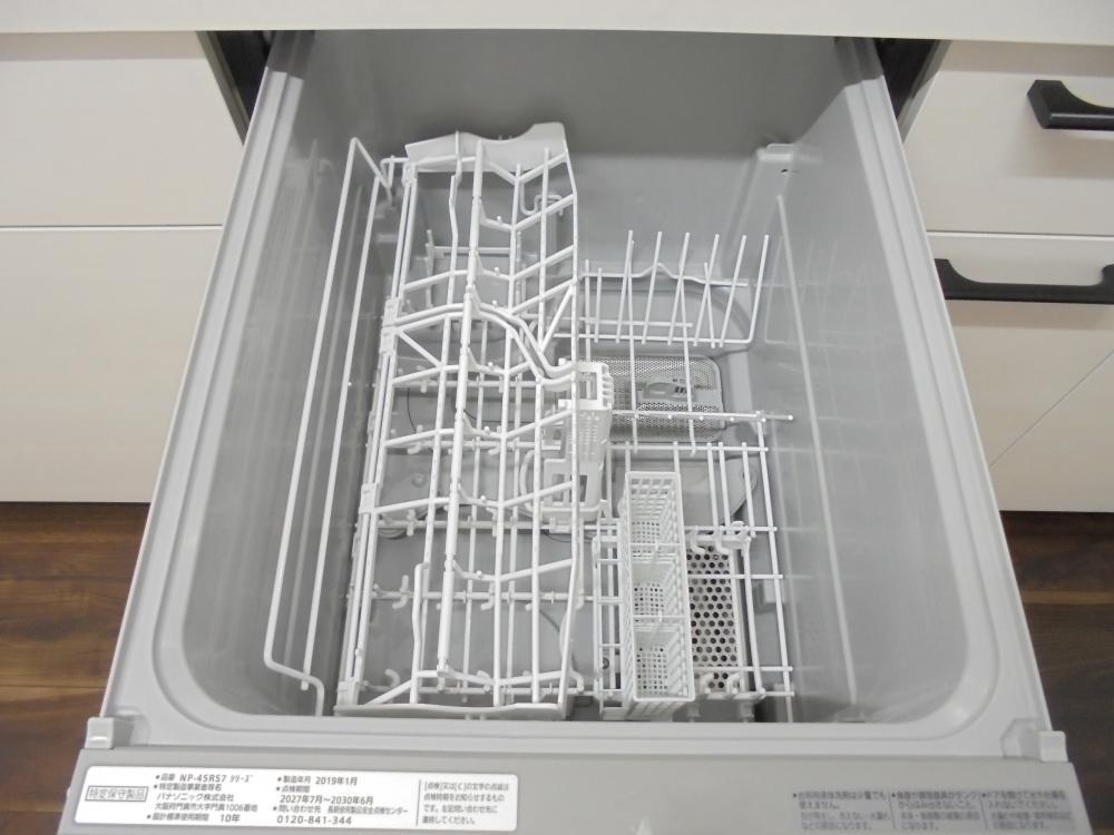 キッチン設備:食器洗浄機付きで洗い物が片付きます☆