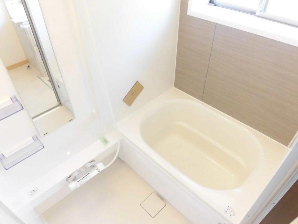浴室:新品ピカピカ♪毎日の疲れを癒してくれます☆