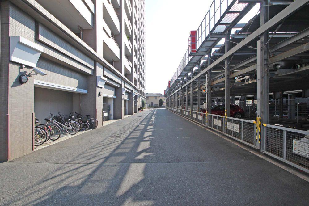 敷地内駐車場あります。